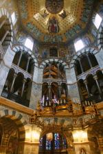 Oktogon Dom Aachen